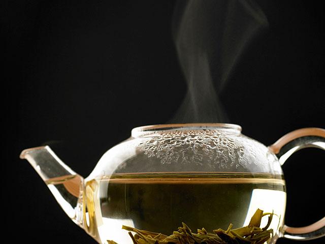 Исследование: употребление горячего или теплого чая снижает риск развития глаукомы