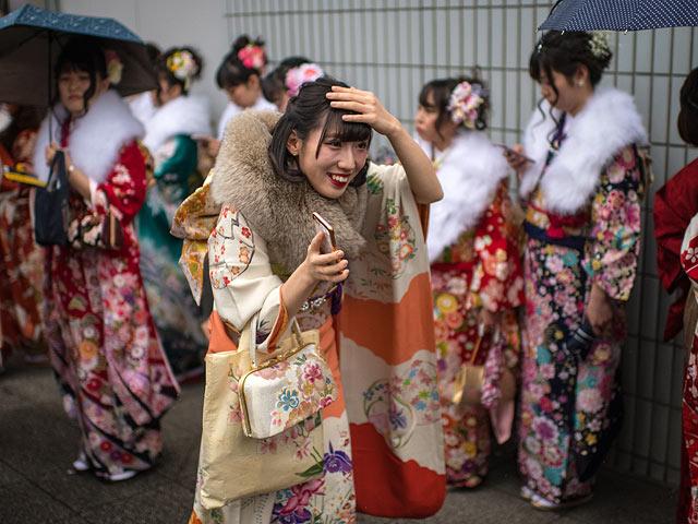 Цветы и кимоно: праздник совершеннолетия в Японии