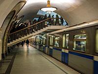 Перестрелка в московском метро: погиб полицейский, еще один ранен