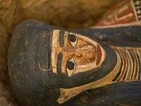 Внутри мумии египетской девочки найден амулет из кальцита