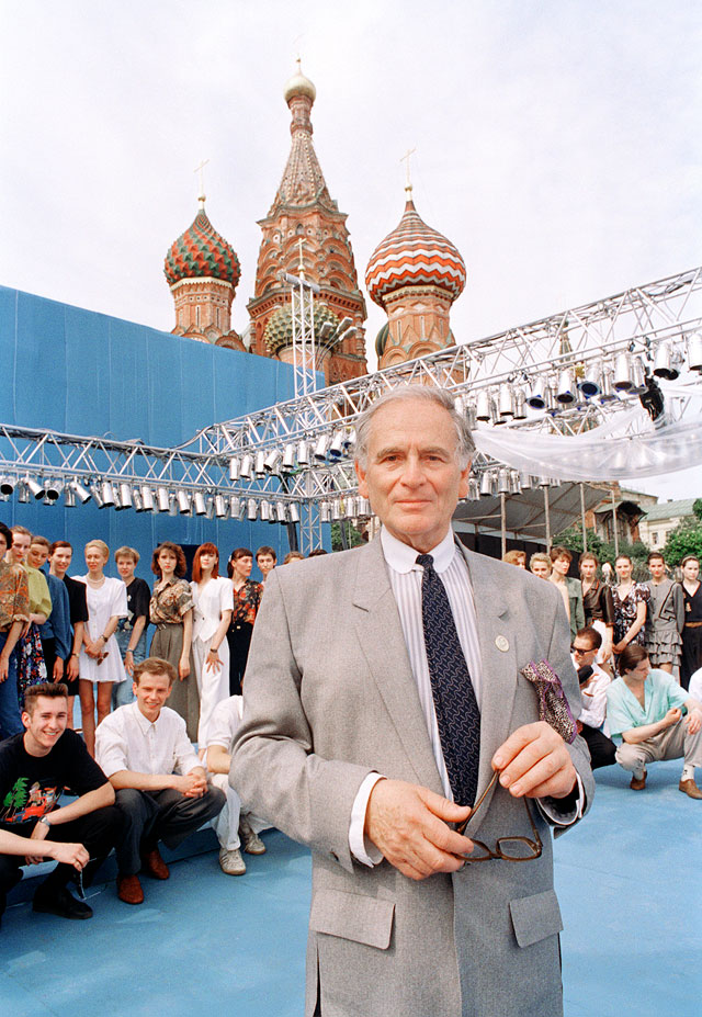 На показе мод на Красной Площади, Москва, 1991 год