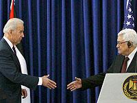 Джо Байден и Махмуд Аббас в 2010 году