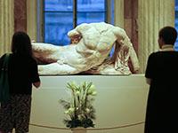 Эрмитаж получил жалобу о вредном влиянии обнаженных скульптур на детей