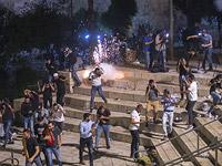 """Беспорядки в Иерусалиме. """"Красный Полумесяц"""" заявляет о сотнях """"раненых палестинцах"""""""