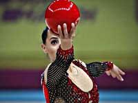 Чемпионат Европы по художественной гимнастике. Линой Ашрам вышла в два финала, Николь Зеликман - в один