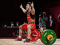 Олимпиада. Тяжелая атлетика. Китаец установил три олимпийских рекорда и один мировой