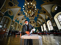 Голосование в здании Казанского вокзала в Москве. 18 сентября 2021 года