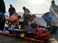 """На пляже """"А-Боним"""" из воды вытащили мужчину, он в тяжелом состоянии"""