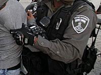 На набережной Тель-Авива задержан житель Яффо, угрожавший прохожим оружием