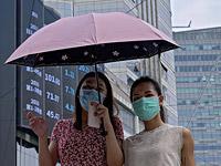 Исследователи предполагают, что в начале пандемии было две вспышки заражений слегка отличающимися коронавирусами