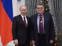 Президент РФ Владимир Путин и Александр Ширвиндт в декабре 2014 года