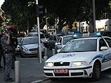 Тель-Авив: мужчина забаррикадировался в киоске и угрожает взорвать газовые баллоны