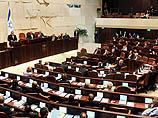 Выступление главы правительства постоянно прерывалось депутатами от оппозиции, и спикеру Кнессета несколько раз пришлось призывать их к порядку