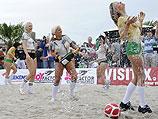 Sexy Cora купает противниц в шампанском. Берлин, июнь 2010 года