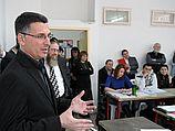 """Министр просвещения Гидеон Саар в ульпане """"Мораша"""" (28.02.2011)"""