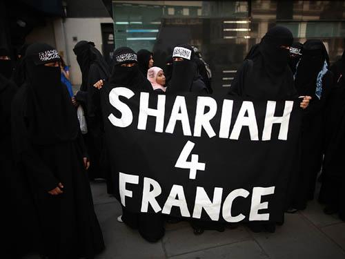"""NEWSru.co.il :: """"Шариат – для Франции"""". Ответ на закон Саркози о никабах"""