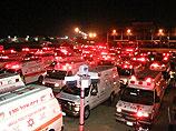 """Машины скорой помощи """"Маген Давид Адом"""" в Бен-Гурионе. 23 мая 2011 года"""