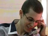 Гилад Шалит говорит по телефону с родителями. 18 октября 2011 года