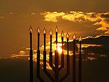 Евреи отмечают Хануку: праздник освобождения и света