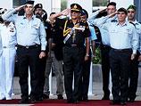 Командующий индийскими вооруженными силами Дипак Капур во время визита в Израиль в 2009-м году