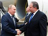 Глава МИД Израиля Авигдор Либерман встречает президента РФ Владимира Путина. 25 июня 2012 года