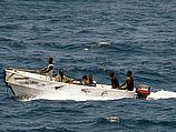 Порядка 12 пиратских катеров окружили судно на выходе из Баб-эль-Мандебского пролива в Аденском заливе