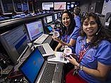 Сотрудники NASA следят за посадкой Curiosity