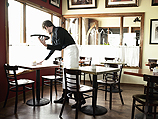 В прошлом году на 23% выросло количество жалоб на продукты питания, а также на работу кафе и ресторанов