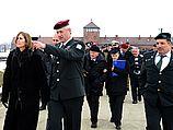 Начальник генштаба ЦАХАЛ генерал-лейтенант Бени Ганц в бывшем лагере смерти Освенцим. 07.04.2013