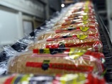 Минздрав: производители втайне от покупателей пересаливают сыры, колбасы и хлеб