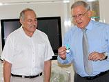 Арон Шнеер и посол РФ в Израиле Сергей Яковлев
