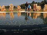 Мемориал погибшим в крушении вертолетов в 1997 году