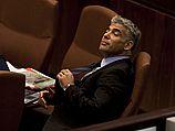 """Министр финансов, лидер партии """"Еш Атид"""" Яир Лапид во время обсуждения проекта госбюджета. Кнессет, 17 июня 2013 года"""