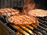 Раввины решают, можно ли есть искусственные гамбургеры с сыром