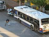240-й автобус после взрыва бомбы. Бат-Ям, 22 декабря 2013 года