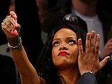 """Instagram заставил Риханну удалить самые откровенные """"личные снимки"""""""