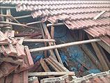 Фото крыши дома в Ашкелоне, на которую упали осколки сбитой ракеты. 23 августа 2014 года