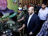 """Муса Абу Марзук приветствует боевиков """"южной бригады"""" ХАМАС. Рафах, 28 августа 2014 года"""