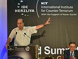 Моше Яалон на конференции в Герцлии. 8 сентября 2014 года