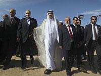 3-й эмир Катара шейх Хамад бин Халифа аль-Тани во время визита в Газу в 2012 году, вместе с местными лидерами ХАМАС