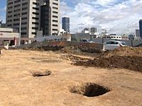 """Колодцы, обнаруженные на месте строительства офисного здания в районе моста """"Маарив"""" в Тель-Авиве"""