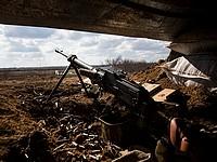 Пресс-центр АТО: сепаратисты обстреливают украинские позиции, применяют артиллерию