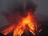 Извержение вулкана на Суматре, эвакуированы тысячи местных жителей