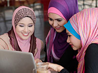 В Иране начал работу государственный сайт знакомств