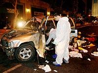 На месте убийства Йорама Хахама. Июнь 2008 года