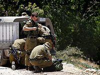 Теракт с применением холодного оружия, один солдат легко ранен
