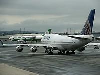 Самолет, вылетевший из Германии в США, вернулся в аэропорт после сообщения о бомбе