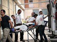 Госпитализация пострадавшего в результате теракта. 25 октября 2015 года