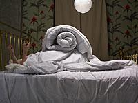 Исследование: пробуждение среди ночи вредит настроению сильнее, чем недосып
