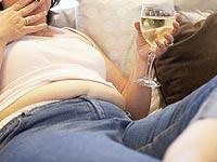 Большинство женщин не знают, что употребление алкоголя и лишний вес может привести к раку груди
